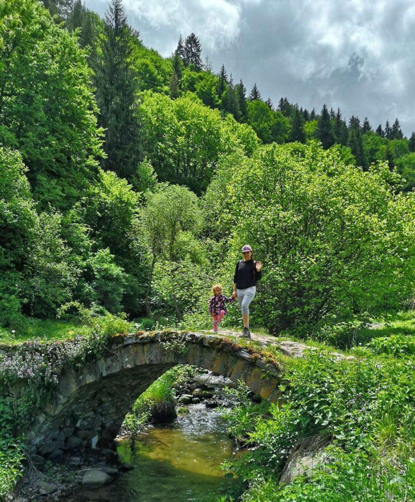 Римското мостче в началото на Фотинската екопътека
