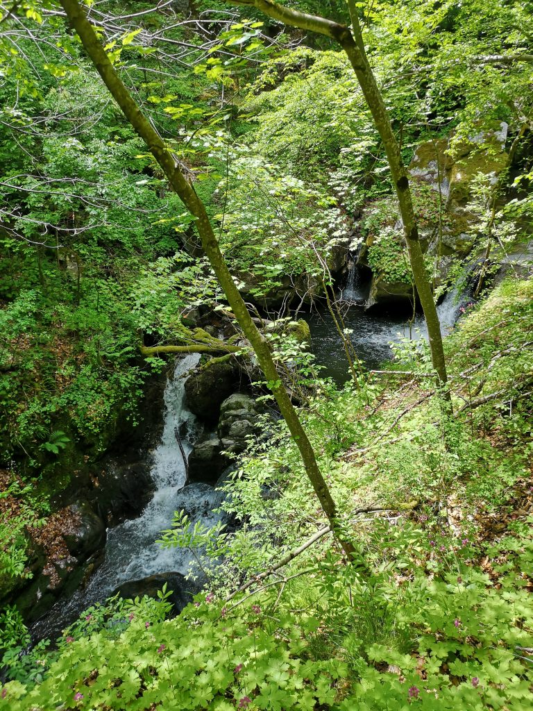 Фотинските водопади