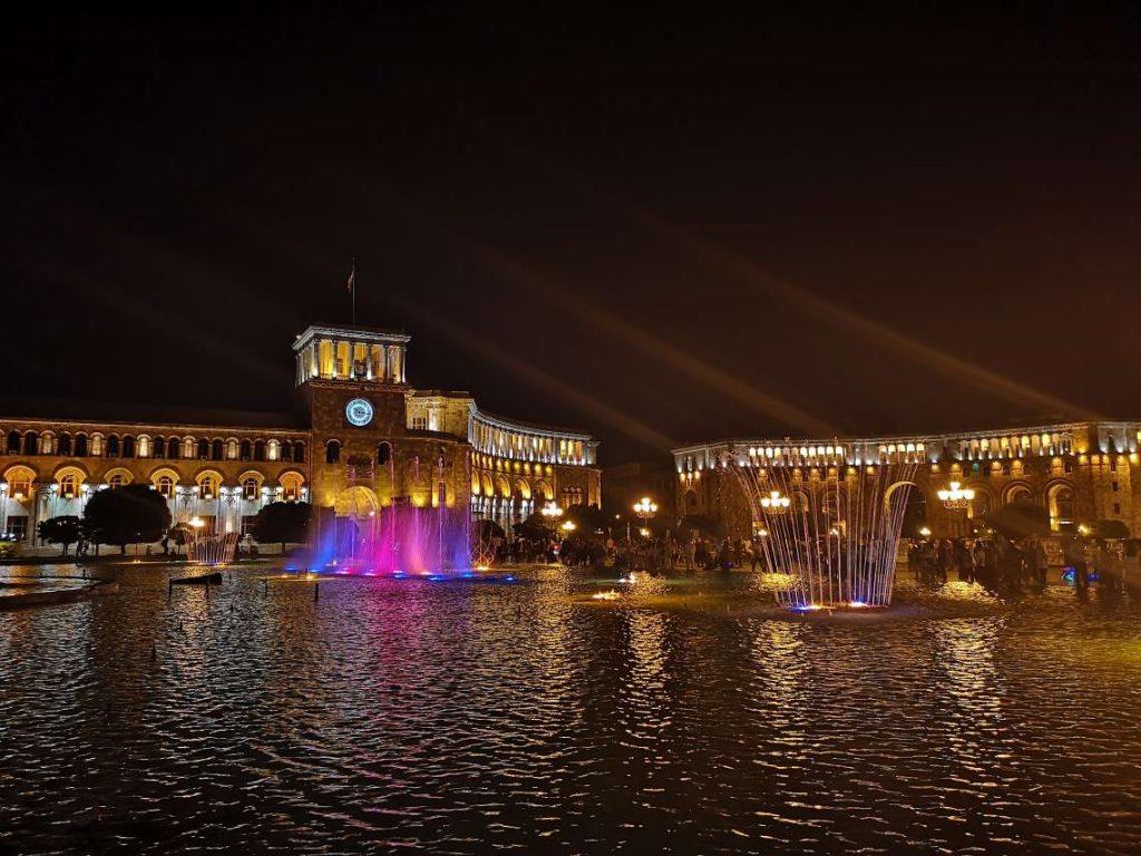 Площад Република в Ереван