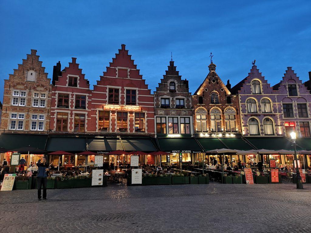 Най-известният площад в Брюж