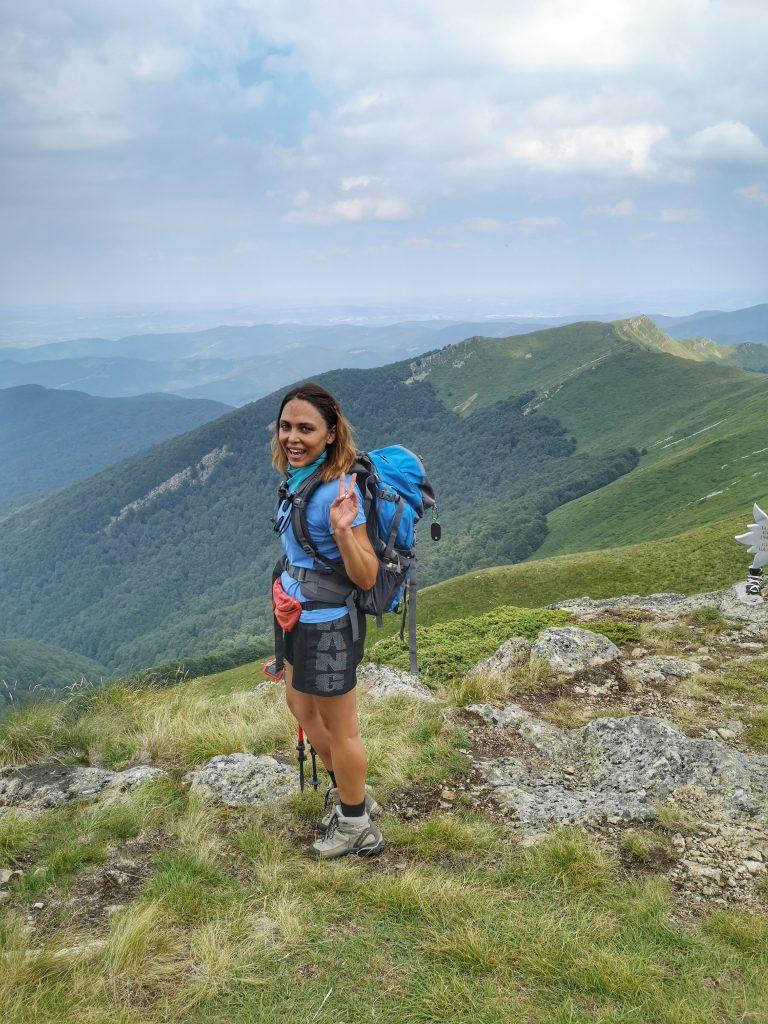 На тази снимка се вижда планински масив Триглав - в него се включват връх Мазалат, Малък Кадемлия и Пиргос.